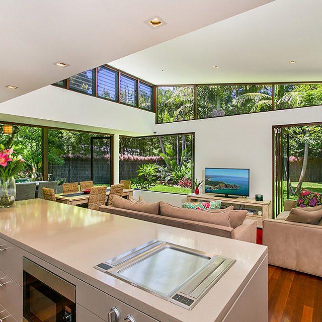 kitchen-lounge-bifold-to-garden
