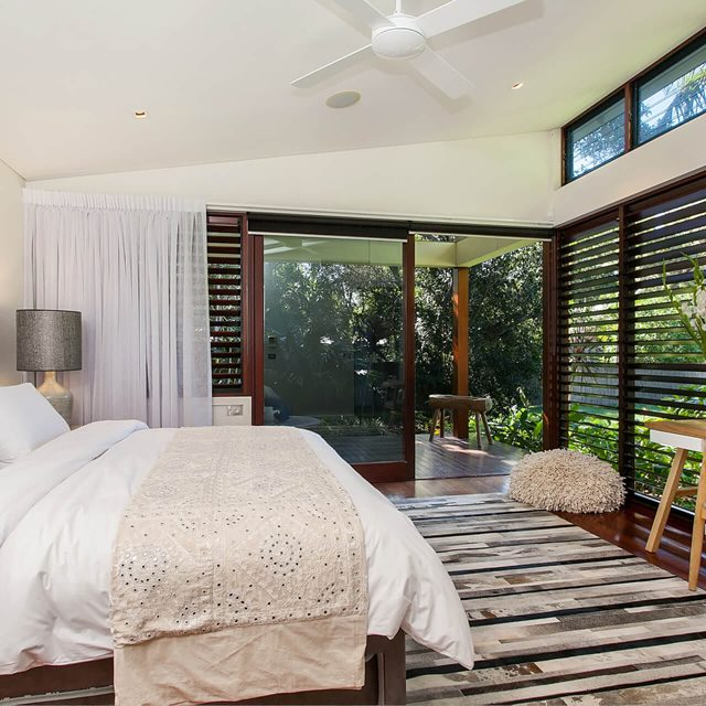 white-bed-deck